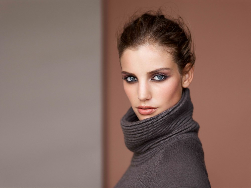 Clarins - Ladylike Herbstlook Model 2014
