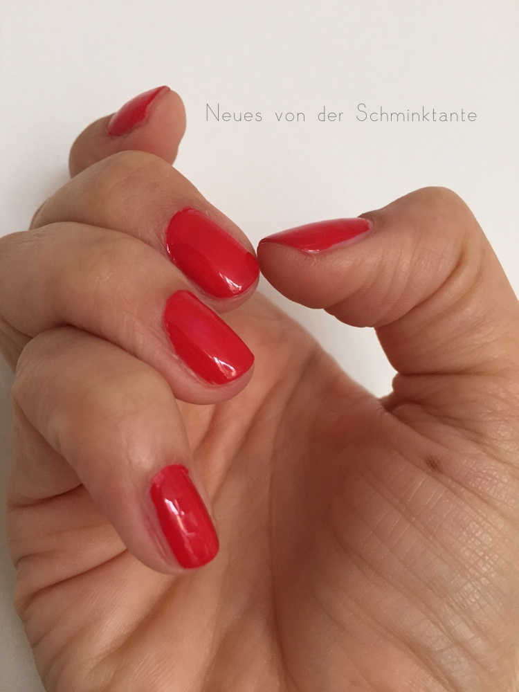 perfektes ROT auf den Fingernägeln mit dem Lanzarote RED Nagellack