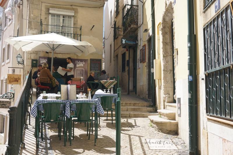 Alfama, Gasse, Straße, Lissabon, Restaurant, Portugal, unterwegs, Schminktante