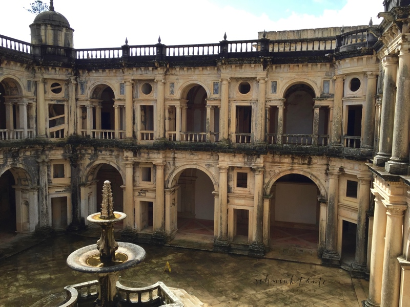 Convento de Cristo, Templer, Tomar, Burg, Castell, Mauern, Schloss, Portugal, Innenhof, Bögen, Steine