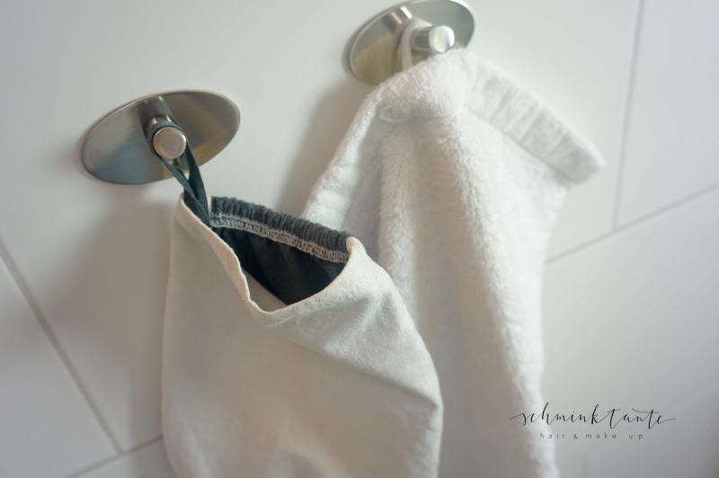 Badezimmer, Bad, weiß, grau, Handschuh, Handtich, Reinigungstuch, nuju