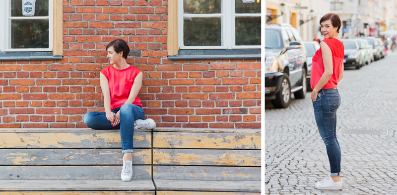 Fashionoutfits mit Bluse, Jeans und Sneakers.
