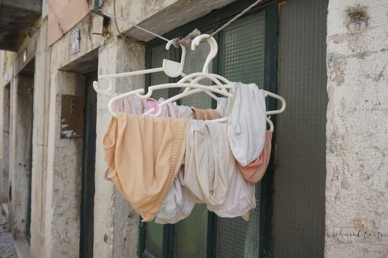Schlüppis, Unterhosen, Slips, Bügel, Stadtansicht, lustig