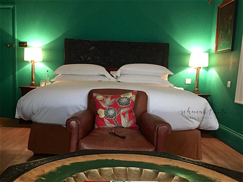 Zimmeransicht mit Bett im Portobello Hotel London.
